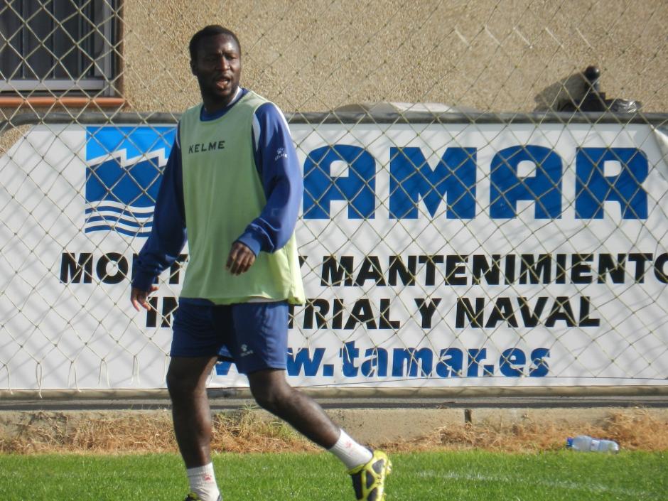 kabiru Akinsola en un entreno. Foto: Pedro Gómez (Crónicas deportivas de Cartagena).