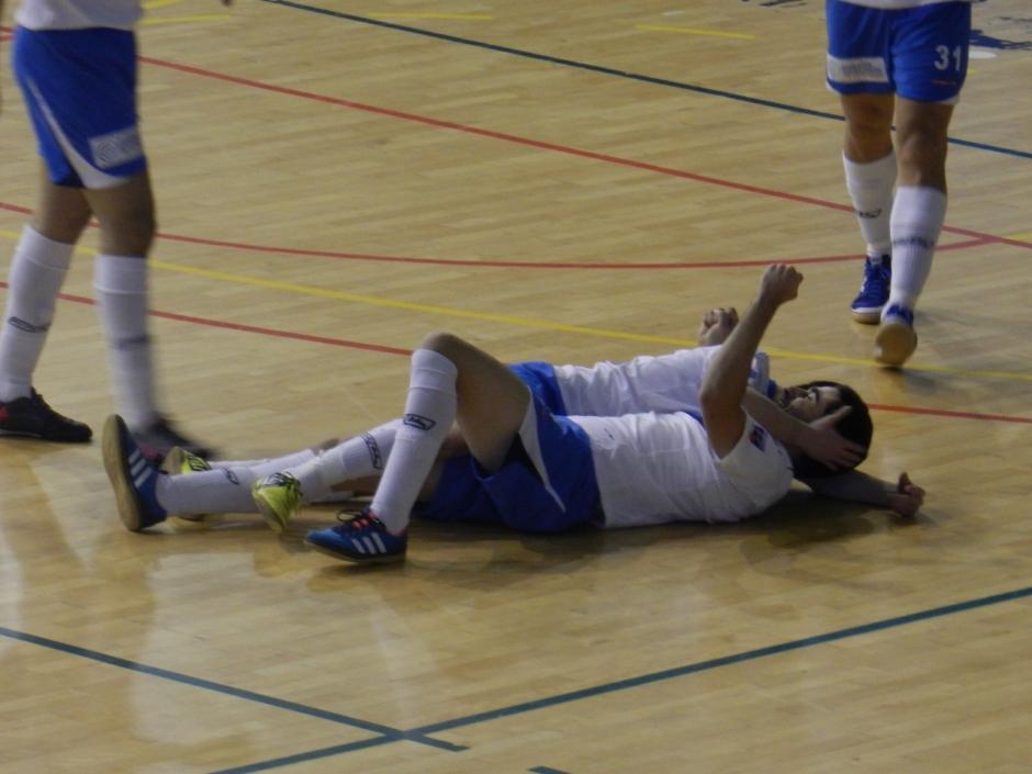 Celebración de un gol de Matías. Foto: Pedro Gómez (Crónicas deportivas de Cartagena).