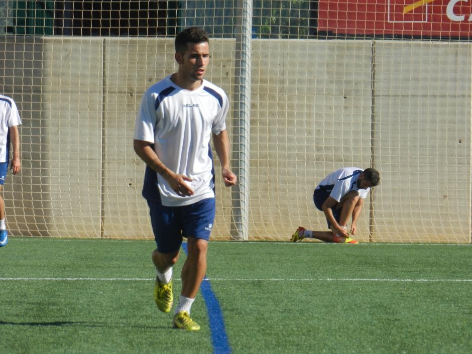 Menudo en el entreno del FC Cartagena realizado en el Mediterráneo. Foto: Pedro Gómez (Crónicas deportivas de Cartagena).