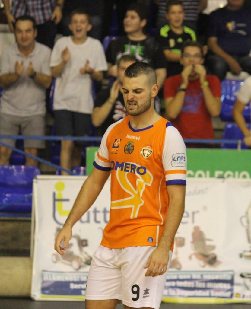 Elián tras celebración de uno de sus goles. Foto: Pedro Gómez (Crónicas deportivas de Cartagena).