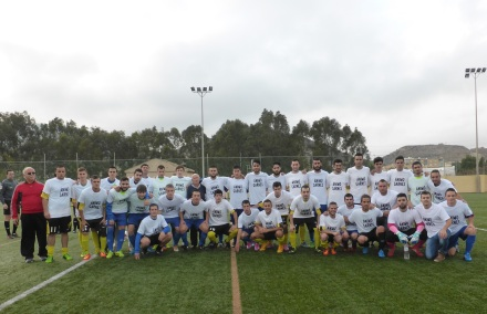 Equipos con camiseta de Garnés. Foto: Francisco Atanasio Hernández: