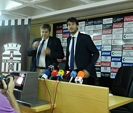 Javier Marco y Javier Martínez en rueda de prensa (31 10 14)----