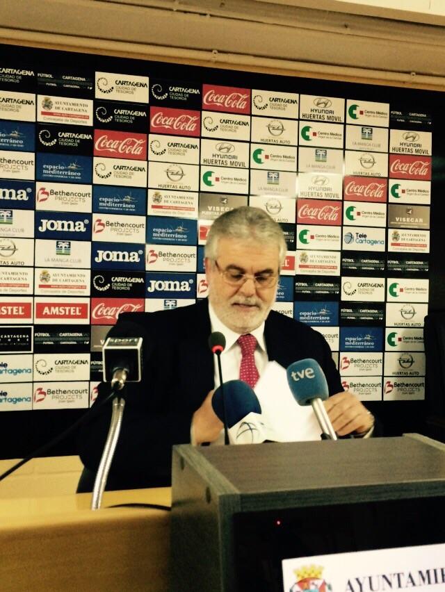 RUEDA DE PRENSA DE FLORENTINO MANZANO 04 12 14 (7). Foto: Pepe González (OM Radio).