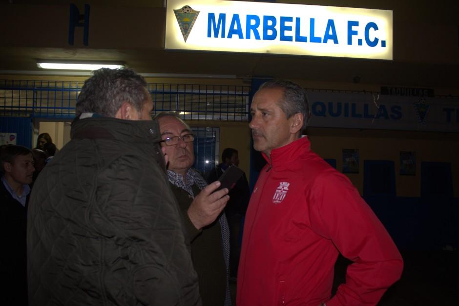 Manolo Palomeque entrevistado en Marbella. Foto: Pedro Gómez (Crónicas deportivas de Cartagena).