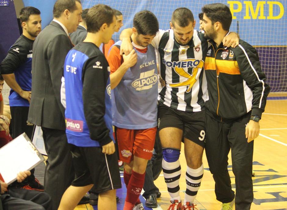 Instantánea de la lesión de Elián contra ElPozo B. Foto: Pedro Gómez (Crónicas deportivas de Cartagena).