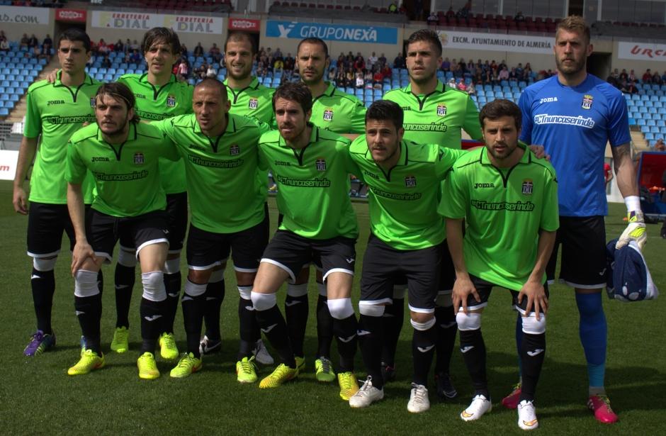Alineación del FC Cartagena en Almería. Foto: Pedro Gómez (Crónicas deportivas de Cartagena).