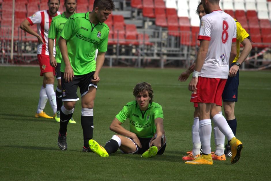Instantánea de la lesión de Prosi en Almería. Foto: Pedro Gómez (Crónicas deportivas de Cartagena).