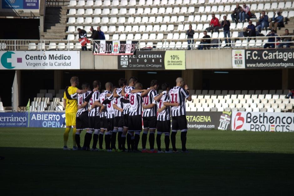 Jugadores del FC Cartagena protestando por su situación. Foto: Pedro Gómez (Crónicas deportivas de Cartagena).