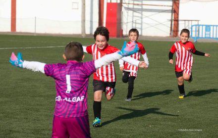Jugadores EF Algar celebrando gol -Preb-B