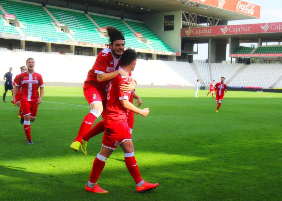 Celebración del gol de Chus Hevia al Córdoba (4)