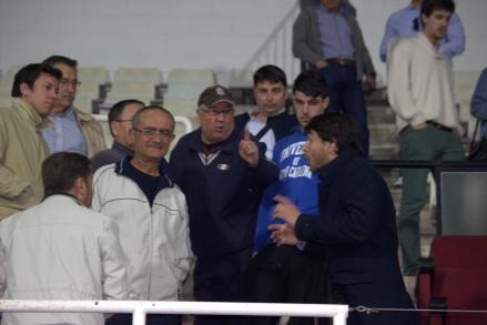 Javier Marco dando explicaciones a aficionados de tribuna (7)
