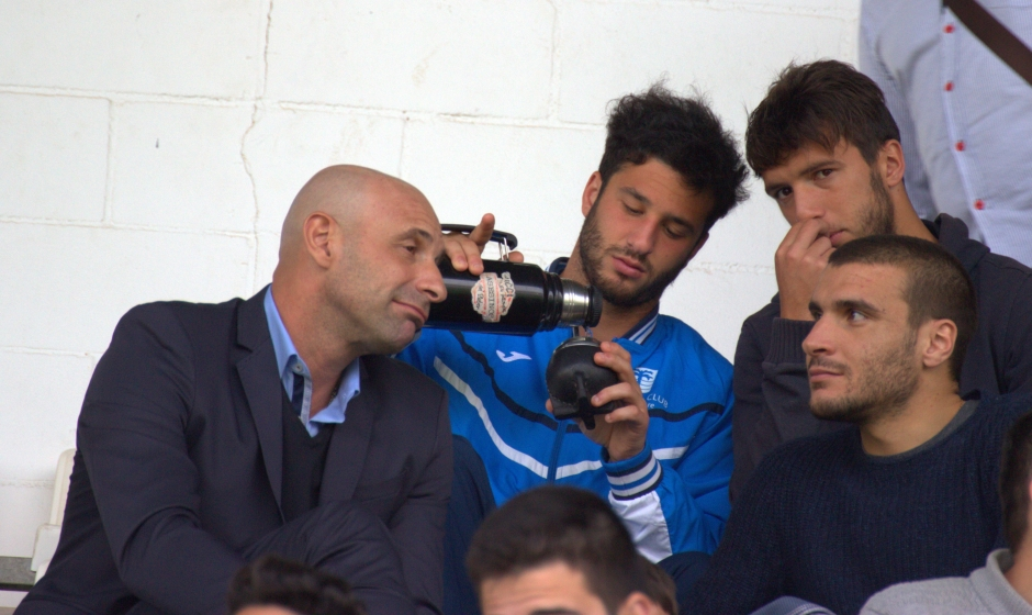 Pablo Boselli junto a Hernández, Saúl y Seba Ribas. Foto: Pedro Gómez (Crónicas deportivas de Cartagena).