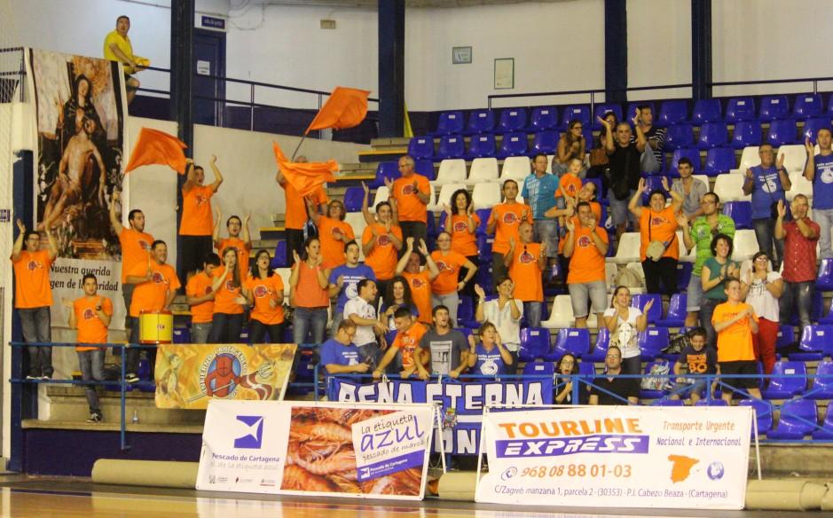 Afición del Cartagena FS en La Bombonera. Foto: Pedro Gómez (Crónicas deportivas de Cartagena).