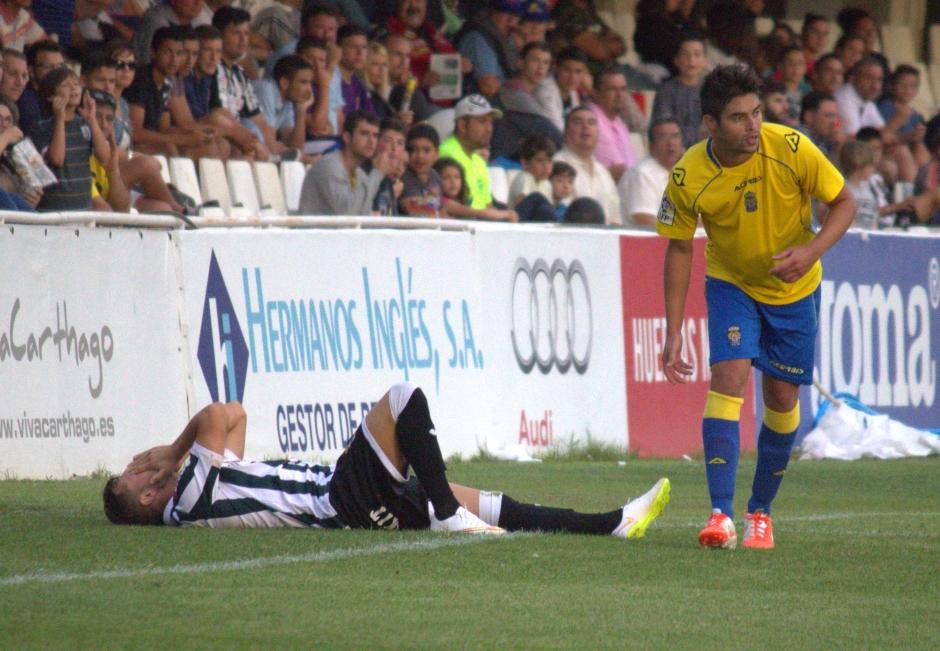 Gato lamentándose en su lesión. Foto: Pedro Gómez (Crónicas deportivas de Cartagena).