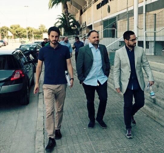 Caminando para la sala de prensa. Foto: Pepe González (OM Radio).