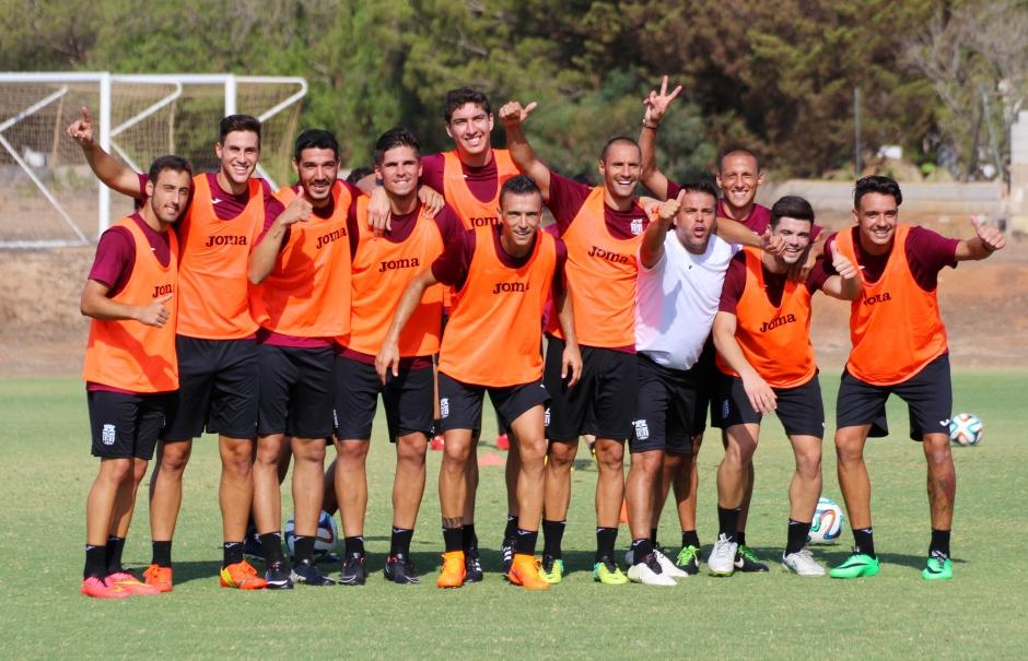 Foto equipo ganador en entreno. Foto: Pedro Gómez (Crónicas deportivas de Cartagena).