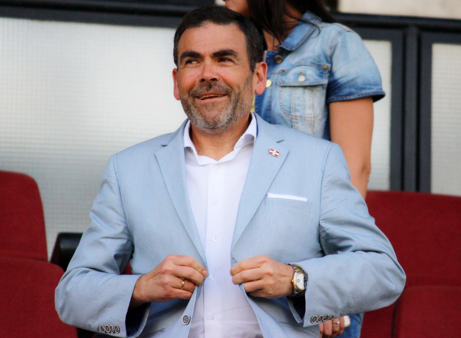 José López en el palco del Cartagonova. Foto: Pedro Gómez (Crónicas deportivas de Cartagena).