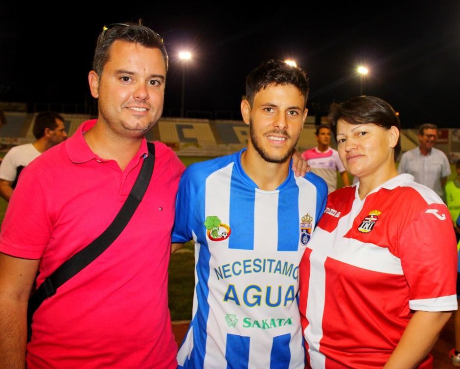 Antonio, Carlos Martínez y Gloria