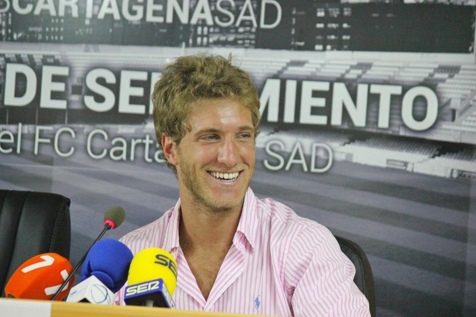 Federico Laens presentado como jugador del FC Cartagena. Foto: Pedro Gómez (Crónicas deportivas de Cartagena).