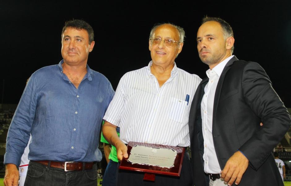 Homenaje al Padre Turpín. Foto: Pedro Gómez (Crónicas deportivas de Cartagena).