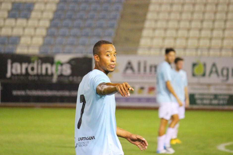 Jorzolino Falkenstein disputó ayer sus últimos minutos a prueba con el FC Cartagena. Foto: Pedro Gómez (Crónicas deportivas de Cartagena).