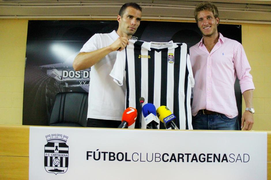 Presentación de Juanlu y Federico Laens. Foto: Pedro Gómez (Crónicas deportivas de Cartagena).