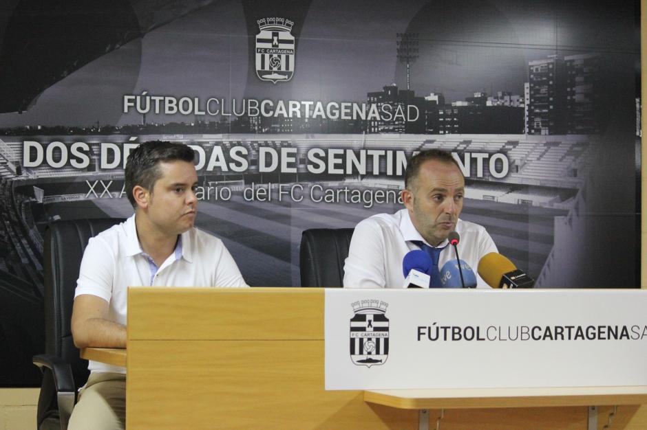 Torres entrenador Linares Deportivo en sala de prensa del Cartagonova