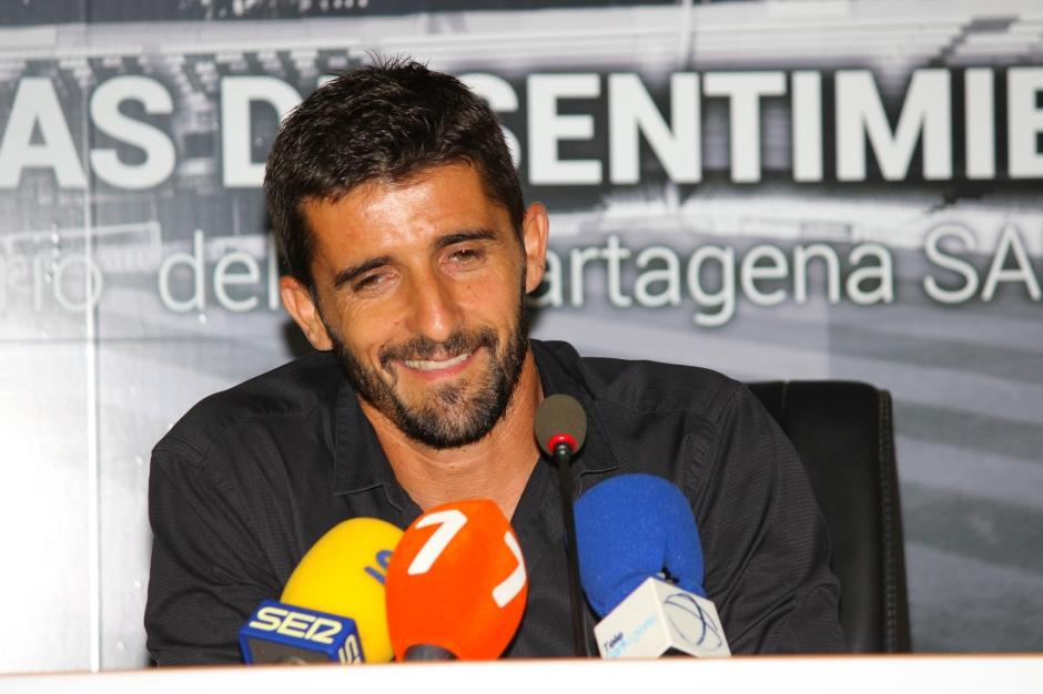 VÍCTOR FERNÁNDEZ POST PARTIDO FRENTE AL ALBACETE (2). Foto: Pedro Gómez (Crónicas deportivas de Cartagena).