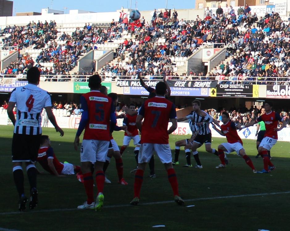 penalti a Laens